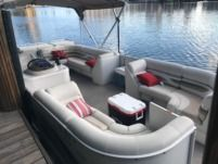 Crest Pontoon in North Miami Beach