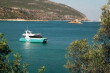 Catamaran Dolphin Bay Catamaran for hire
