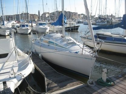 Charter Sailboat Beneteau First 285 Hondarribia