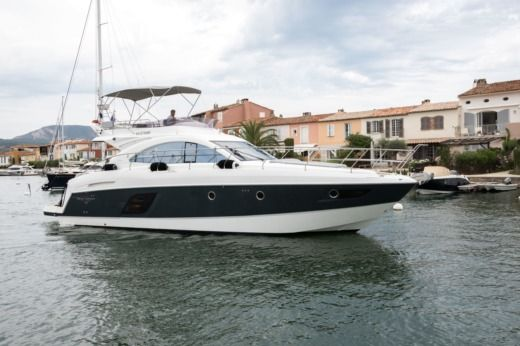 Beneteau Gran Turismo Gt 49 Fly in Saint-Tropez peer-to-peer