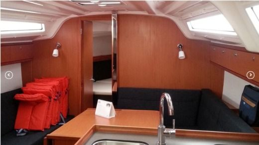 Sailboat Bavaria 37 for rental