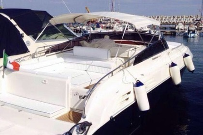 Hire Motorboat Chaparall 290 Monte di Procida