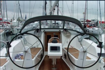 Rental Sailboat Bavaria 41 Volos