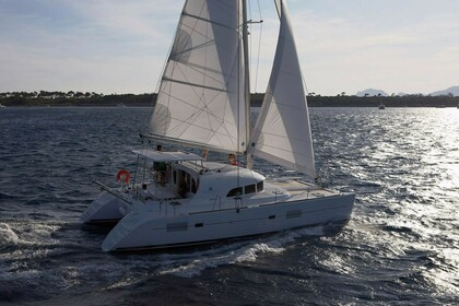 Charter Catamaran Lagoon 380 S2 Owner Version Tahiti
