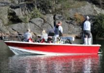 Rental Motorboat Sea Pro 24 Bay Red Stockholm