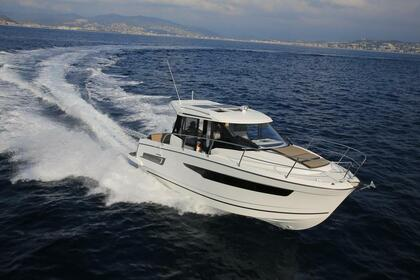 Rental Motorboat Jeanneau Merry Fisher 895 Le Lavandou