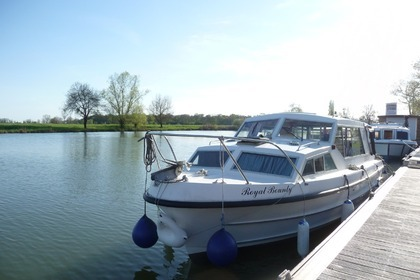 Rental Houseboat Bounty Boat Sedan 27 Pont-de-Vaux