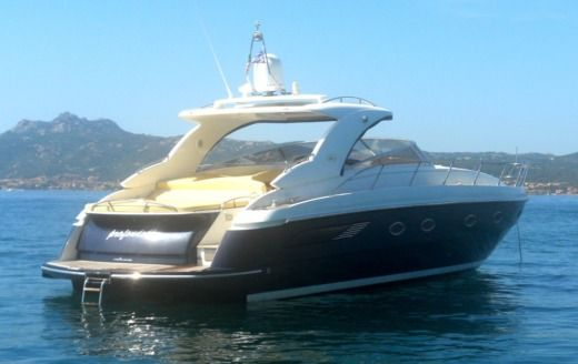 Charter motorboat in Cannigione