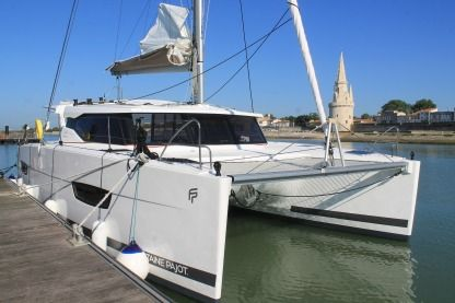 Location Catamaran Fountaine Pajot Lucia 40 La Rochelle