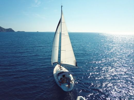 Charter sailboat in La Londe-les-Maures