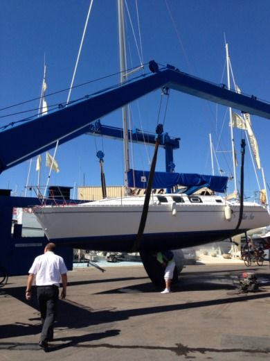 Beneteau FIRST 35S5 in Port-Camargue peer-to-peer