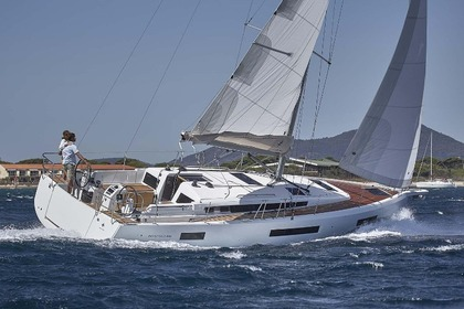 Charter Sailboat JEANNEAU SUN ODYSSEY 440 Portisco
