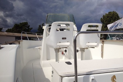 Hire Motorboat BENETEAU FLYER 570 Figari