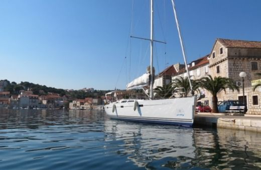 Hanse Hanse 470e in Kaštela for hire