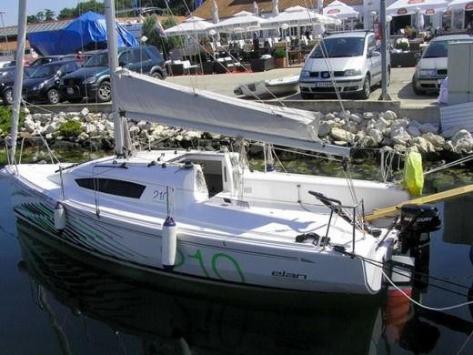 Sailboat Elan Elan 210 peer-to-peer