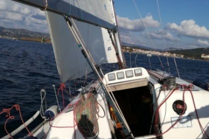 Hire Sailboat ELAN elan 333 gte Six-Fours-les-Plages