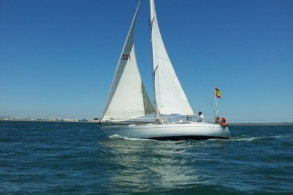 Hire Sailboat CENTRO NAUTICO VISIER 35 Huelva