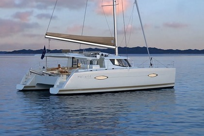 Location Catamaran FOUNTAINE PAJOT Helia 44 with watermaker & A/C - PLUS Propriano