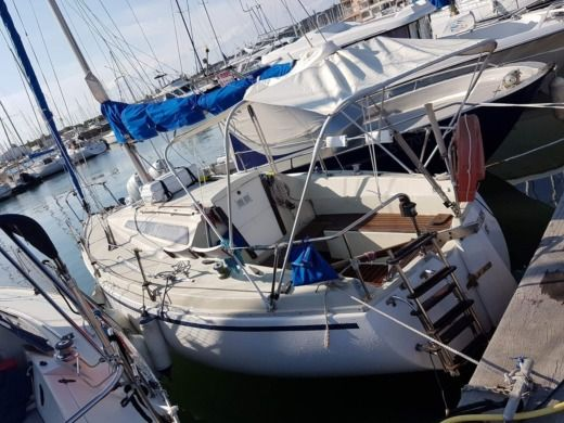 Charter sailboat in Agde