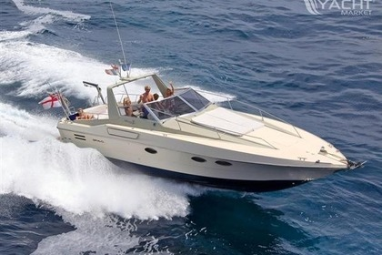 Location Bateau à moteur FAIRLINE TARGA 11m - 10 pers. Capt Included Cannes
