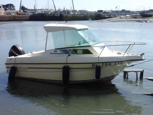 Motorboat B2 MARINE Astéria for hire