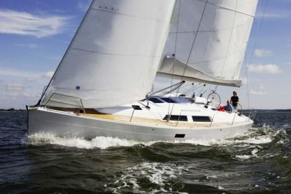 Rental Sailboat Hanse 400 Fréjus