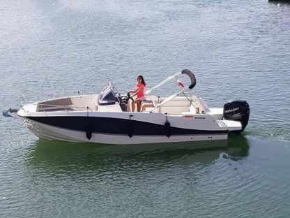 Verhuur Motorboot Quicksilver Activ 755 Open Split