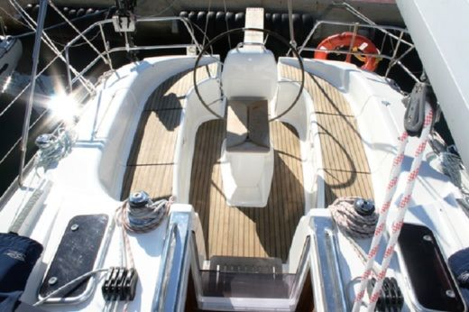 Rental Sailboat Bavaria 39 Cruiser Trogir
