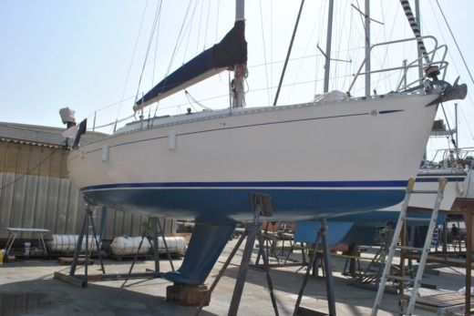 Sailboat Dufour 30 Classic for hire