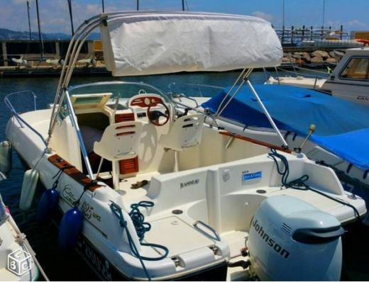 Motorboat JEANNEAU Cap Camarat 6.25 for hire