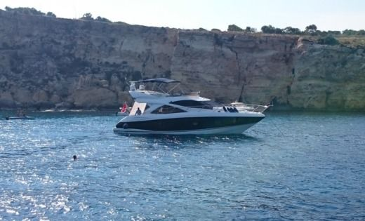 Sunseeker Manhattan 50 a Malte tra privati