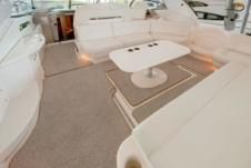 Motorboat Sea Ray 460Sundancer for hire