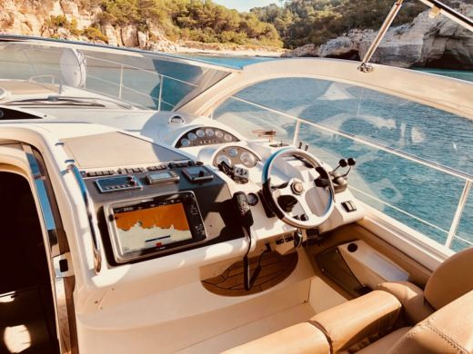 Motorboat Fairline Targa 52 Gt for hire