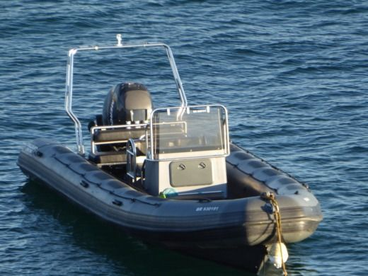 RIB VALIANT DR 750 peer-to-peer