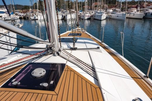HANSE 385 in Hyères for hire
