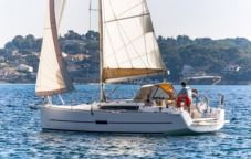 Charter sailboat in Bandol