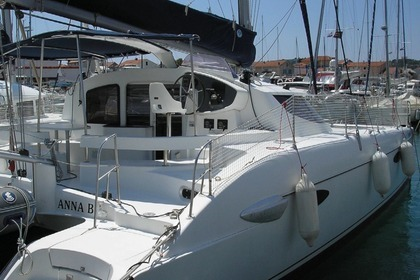 Location Catamaran Fountaine Pajot Lavezzi 40 Punat