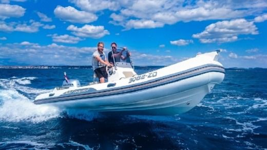 Capelli Tempest 570 + Honda in Zadar for hire