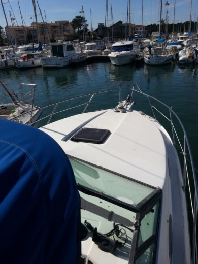 Day Cruiser Sport Craft 2500 Avanza en Saint-Cyprien en alquiler