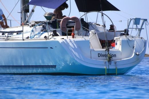 Sailboat Dufour Dufour 40 Performance + for hire