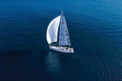 Hire Sailboat X-yachts X-35 Split