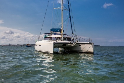 Location Catamaran Foutaine Pajot Lavezzi 40 Arcachon