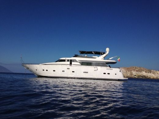 Motorboat Maiora 22 for hire