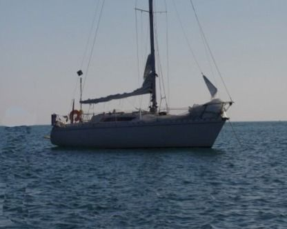Charter Sailboat Beneteau First 32 Auray