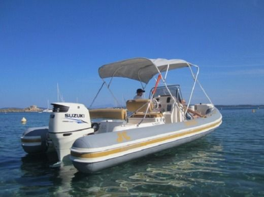 Joker Boat Clubman 23 in Hyères for hire