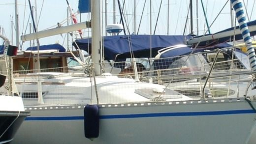 Sailboat GIBERT MARINE GIBSEA 312 peer-to-peer