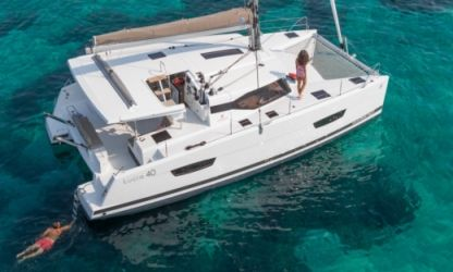 Location Catamaran Fountaine Pajot 40 Huahine