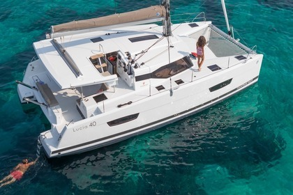 Charter Catamaran FOUNTAINE PAJOT 40 Leeward Islands