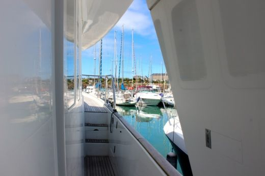 Motorboat BENETEAU SWIFT TRAWLER 42 for hire
