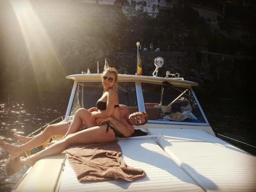 Chris Craft Commander 31 a Positano da noleggiare